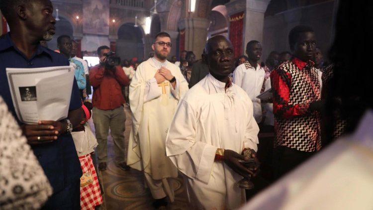 sudan christen feiern erstmals wieder ffentlich. Black Bedroom Furniture Sets. Home Design Ideas