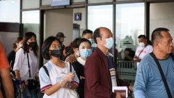 Chinese tourists stranded in Manila after travel ban to China due to coronavirus