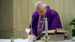 Pope Francis celebrates Mass at Casa Santa Marta, 28 March 2020