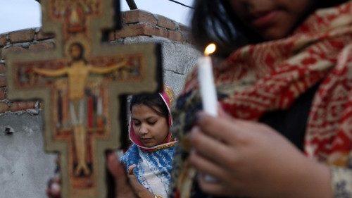 """Pakistan: giovedì la """"Giornata nera dei diritti umani"""" contro le discriminazioni"""