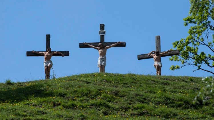 Crucifixes reminiscent of Christ's crucifixion on Calvary