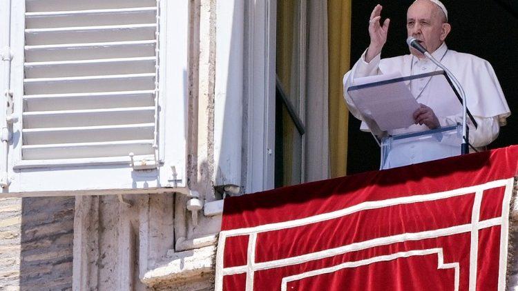 Le Pape François lors de l'Angélus.