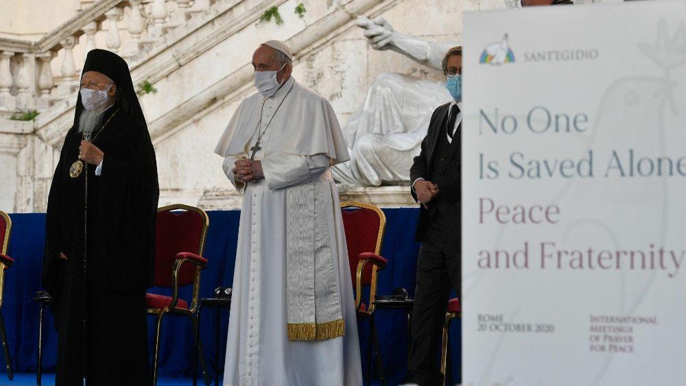 Il Papa e il Patriarca Bartolomeo in piazza del Campidoglio