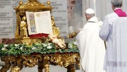 Pope Francis celebrates the Epiphany mass
