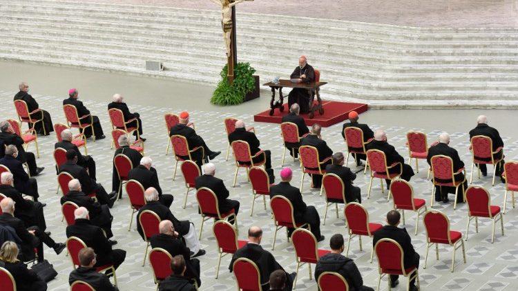 Le cardinal Cantalamessa lors de sa première prédication de Carême, le 5 mars 2021.