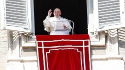 Pope: Sunday Angelus Prayer