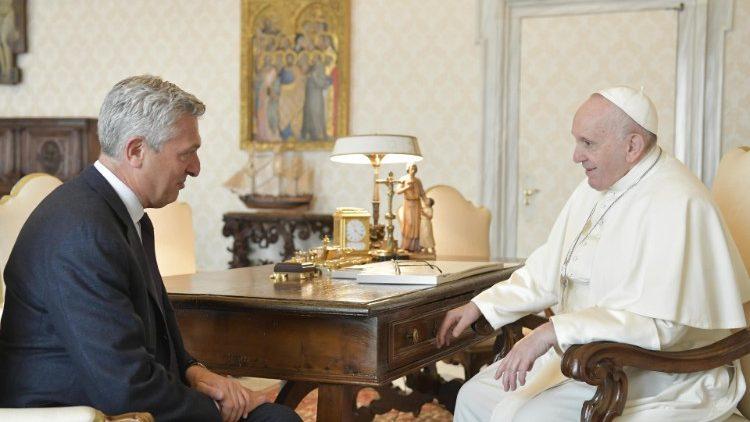 Đức Thánh Cha và ông Filippo Grandi