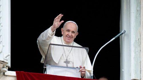 """Regina Coeli del Papa: """"Amar como Cristo significa salir de uno mismo"""""""