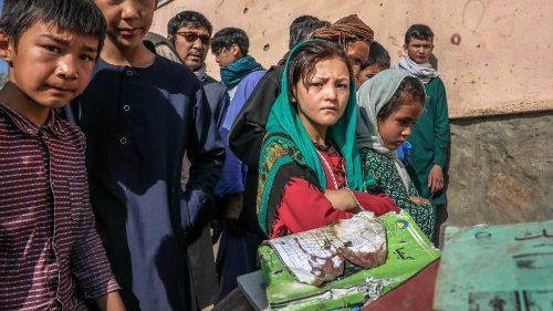 """Il dolore del Papa per """"l'azione disumana"""" contro studentesse in Afghanistan"""
