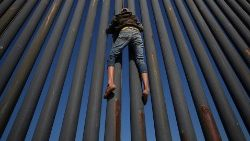 Central American migrants who breached US/Mexico border deported