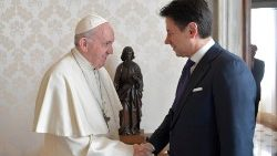 pope-francis-meets-with-italian-prime-ministe-1544875148914.JPG
