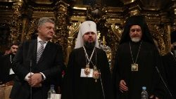 Ukraine's President Poroshenko, Metropolitan Epifaniy (Dumenko) and a special envoy of Ecumenical Patriarch Metropolitan Emmanuel of France attend a church council to convene to create an independent Ukrainian Orthodox church In Kiev