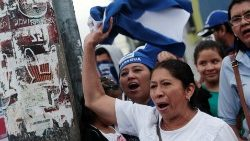 nicaraguan-migrants-take-part-in-a-protest-ag-1547336934167.JPG