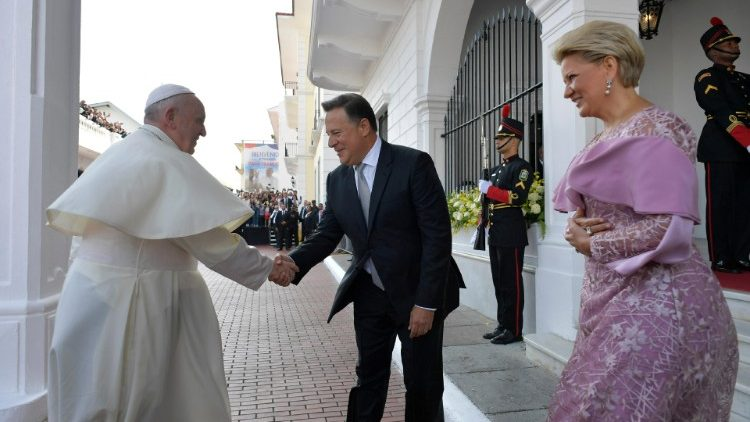 pope-francis-meets-with-panama-s-president-ju-1548348303152.JPG