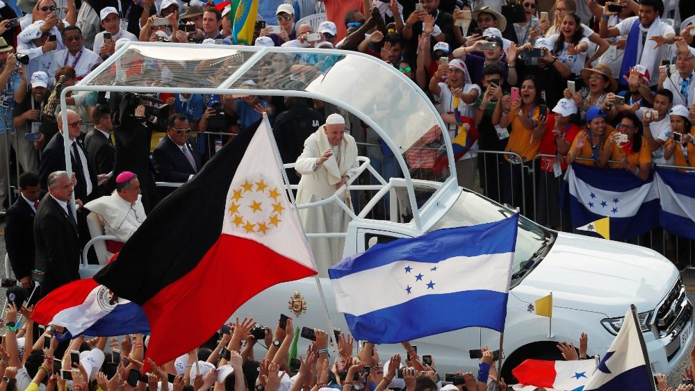 pope-francis-arrives-in-the-pope-mobile-to-at-1548369850841.JPG