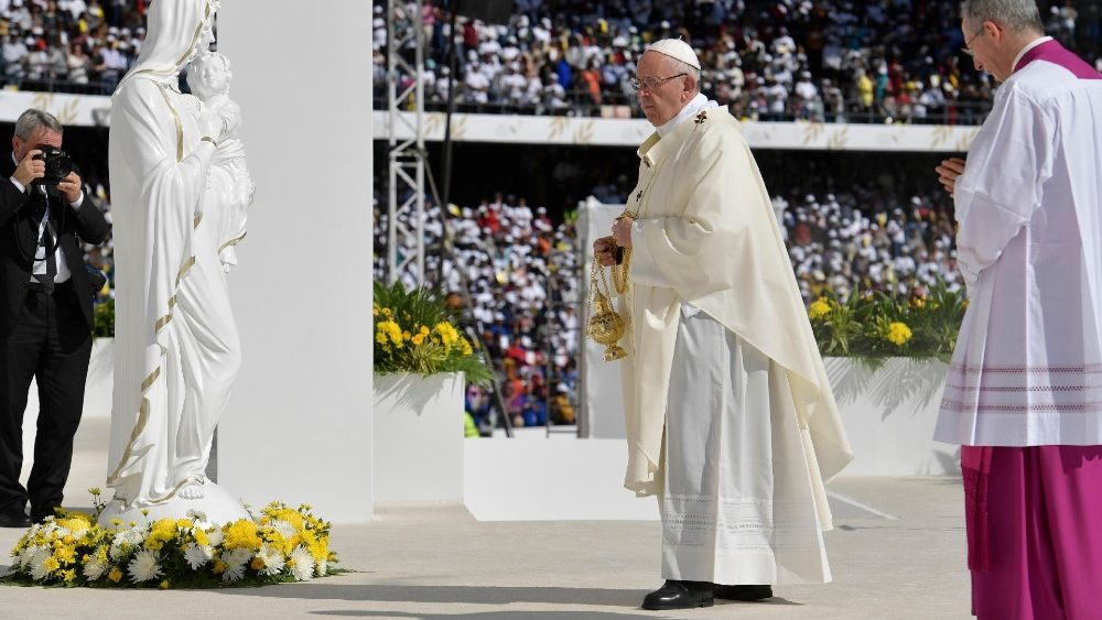 pope-francis-holds-a-mass-at-zayed-sports-cit-1549356862856.JPG