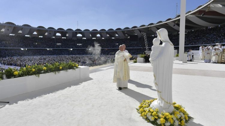 pope-francis-holds-a-mass-at-zayed-sports-cit-1549366738213.JPG