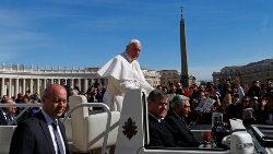pope-francis-holds-weekly-audience-at-the-vat-1551264926594.JPG