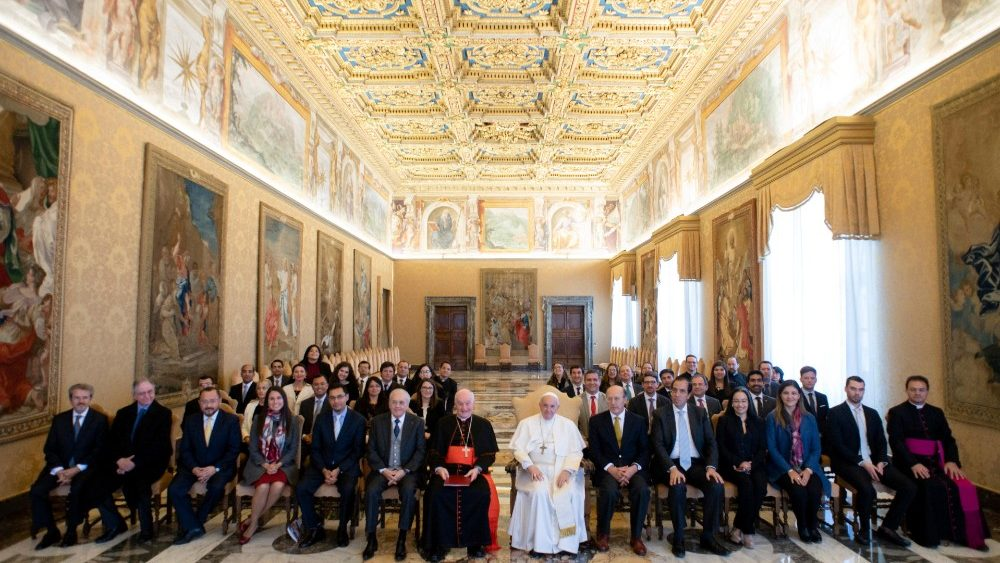 pope-francis-attends-an-audience-with-the-gro-1551707461334.JPG