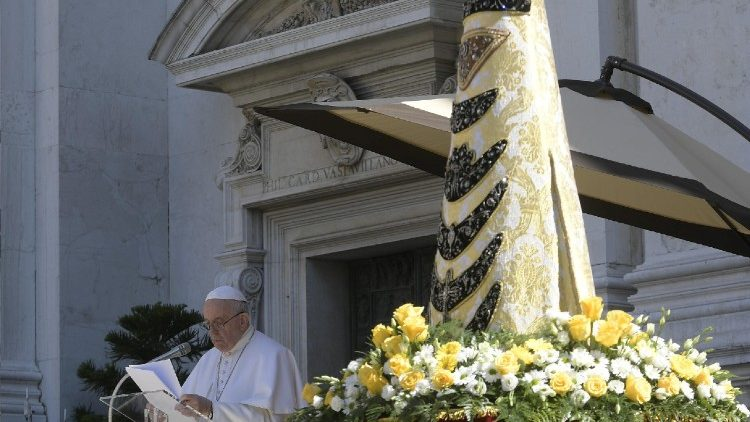 pope-francis-visits-the-shrine-of-our-lady-of-1553514267107.JPG