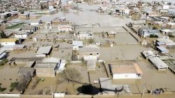 a-general-view-of-flooding-in-iran-s-southern-1553602147871.JPG