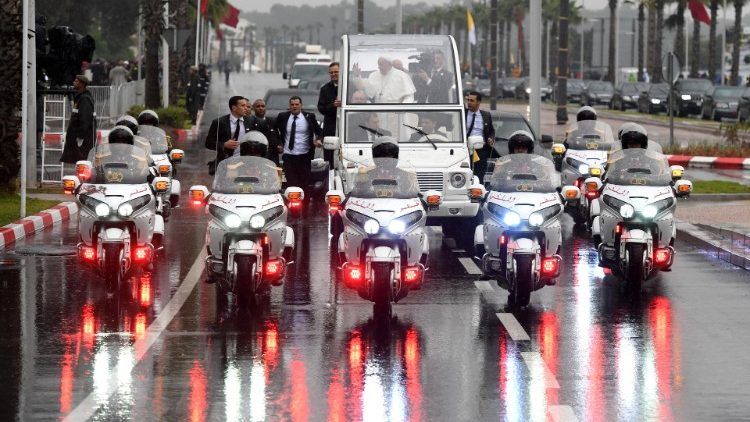pope-francis-waves-from-the-popemobile-as-he--1553954354065.JPG