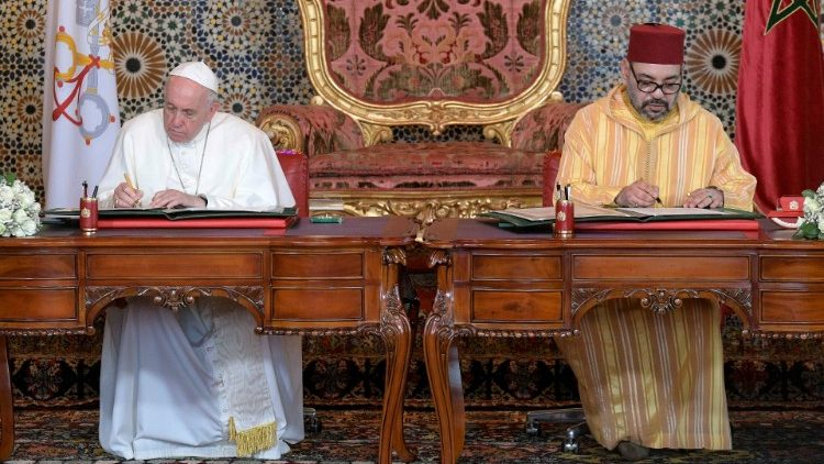 Pope Francis signs appeal for Jerusalem with King Mohammed VI