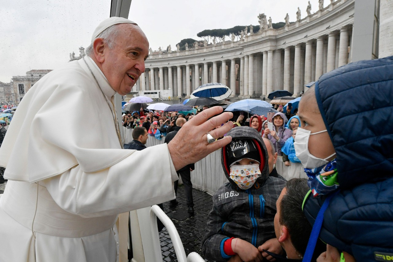 pope-francis-holds-weekly-audience-at-the-vat-1554897540479.JPG