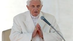 file-photo--pope-benedict-xvi-finishes-his-la-1554973744169.JPG
