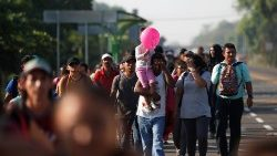 people-belonging-to-a-caravan-of-migrants-fro-1555080856698.JPG