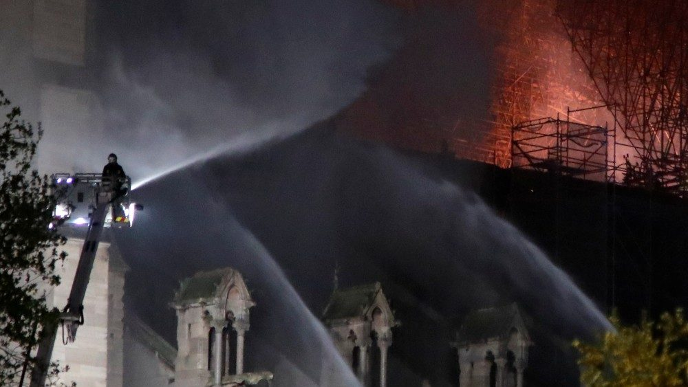 fire-at-notre-dame-cathedral-in-paris-1555363134436.JPG