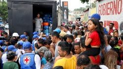 workers-of-venezuelan-red-cross-distribute-hu-1555447746042.JPG