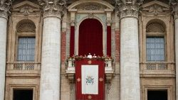 pope-francis-leads-the-easter-mass-at-st--pet-1555842241737.JPG