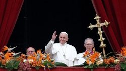 pope-francis-leads-the-easter-mass-at-st--pet-1555844046462.JPG
