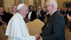pope-francis-attends-a-meeting-with-the-membe-1558183455343.JPG