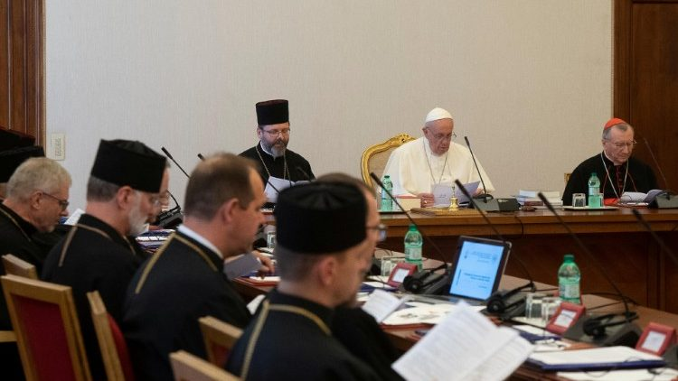 Pope Francis with members of the Permanent Synod of the Ukrainian Greek Catholic Church (file photo)