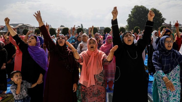 Kashmiri women in Srinagar protesting the scrapping of the special constitutional status of Jammu and Kashmir by the Indian government.