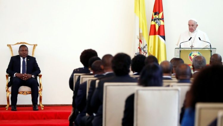 Pope Francis addresses Mozambique's Authorities, the Diplomatic Corps and Representatives of Civil Society