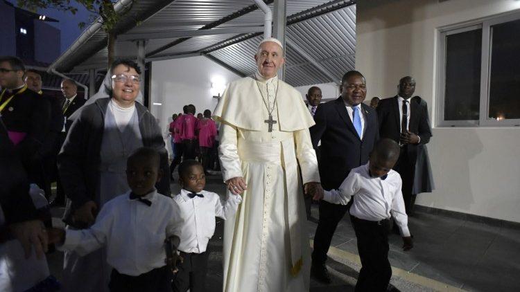 教皇フランシスコ、貧しい人々の支援施設を訪問 2019年9月5日 モザンビーク・マプト