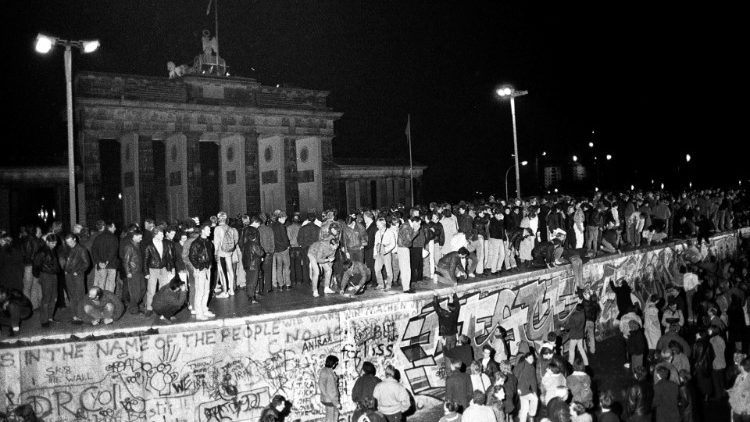 GERMANY-BERLINWALL/HISTORIC PICTURES