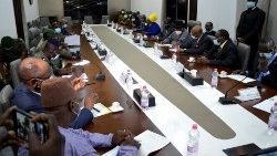 ECOWAS mediators meet with Mali junta