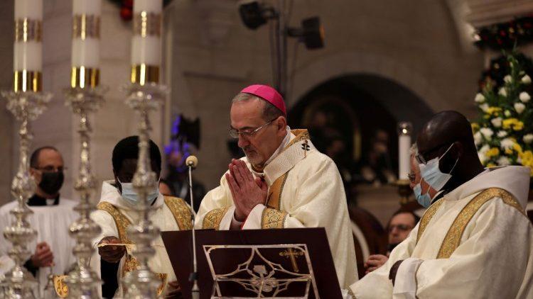 Messe de Noël célébrée par Mgr Pizzaballa dans l'église sainte Catherine de Bethléem