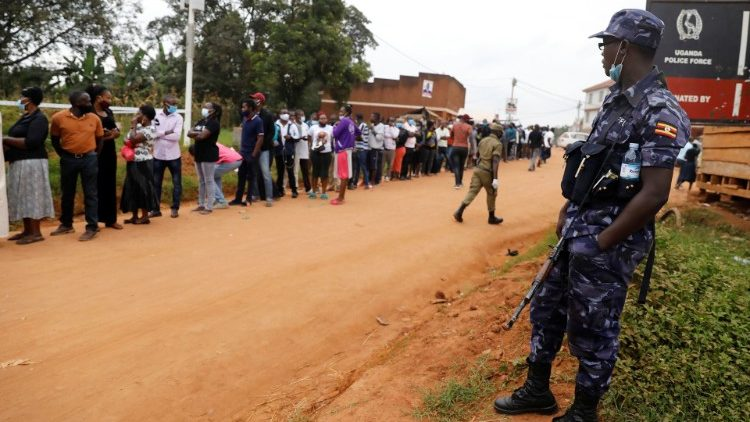 Uganda goes to the polls in general elections - Vatican News