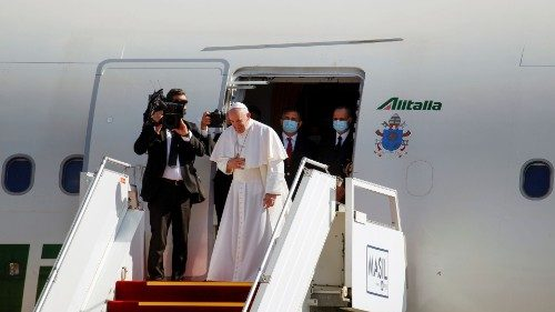 Pope bids farewell to Iraq after a historic visit