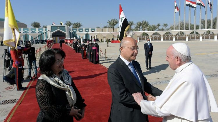 Iraqi President Barham Salih and his wife seeing off Pope Francis at Baghdad airport.