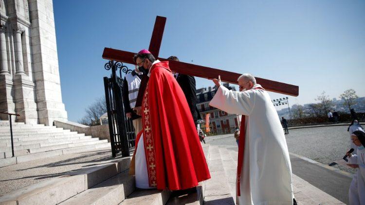 Mgr Michel Aupetit, lors du Chemin de Croix du Vendredi Saint, le 2 avril 2021.