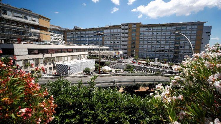 Toàn cảnh bệnh viện Gemelli