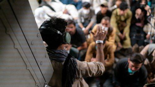 Afganistán. ACN: defender DD.HH. de todos los ciudadanos