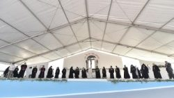 Pope Francis leads ecumenical prayer meeting in Bari, Italy