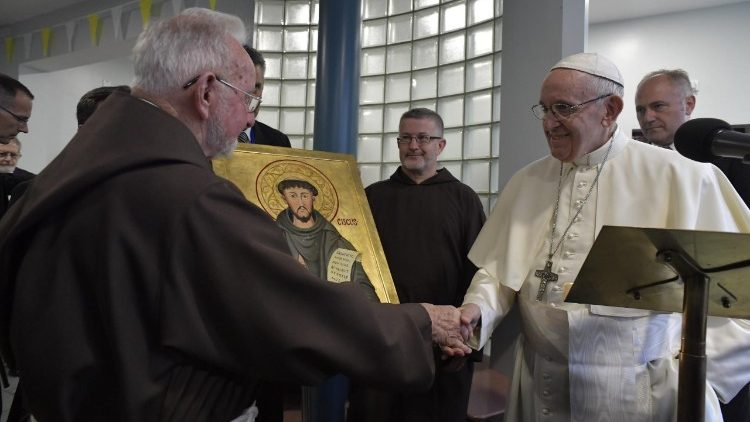 Pope Francis with Br Kevin Crowley at the Capuchin Day Centre